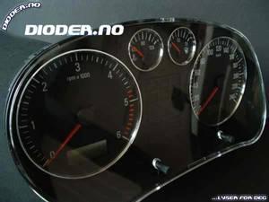"""Bilde av Seat Leon med 2 """"trykkpinner"""""""